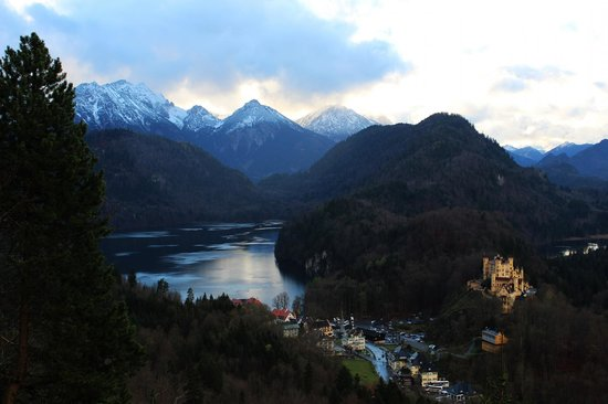 Rilano 24/7 Munich City: View from Neuschwanstein castle