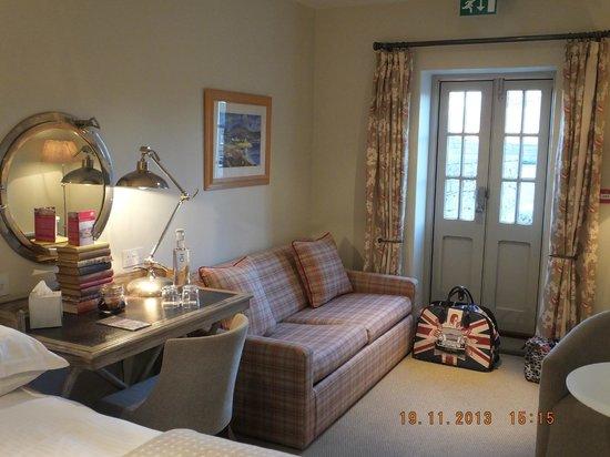 The Devonshire Arms at Pilsley - Restaurant: Bedroom