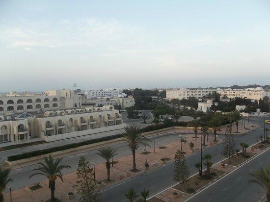 Hotel Mehari Hammamet: Uitzicht op de promenade