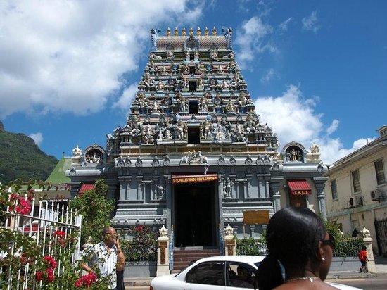 Le Domaine de L'Orangeraie: Hindu Temple in Victoria, Mahe'