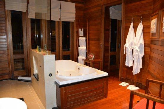 Hilton Seychelles Northolme Resort & Spa : baignoire à remous