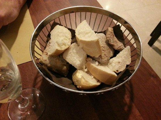 Le Petit Paris: pezzi di pane
