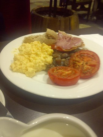 Holiday Inn London - Kensington: Just the first plate from breakfast buffet