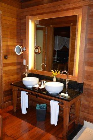 Hilton Seychelles Northolme Resort & Spa : salle de bain