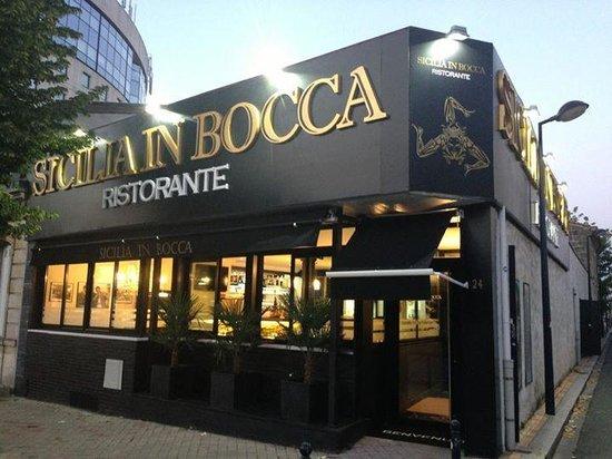 Sicilia in bocca: Mr Micalizzi proprietario del ristorante