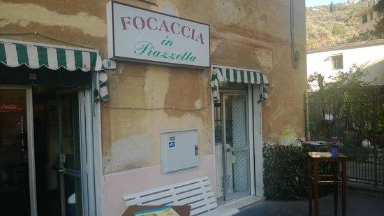 Focaccia in Piazzetta: Facciata