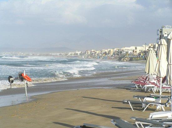 Aquila Porto Rethymno : море штормит