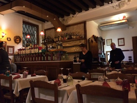 Osteria Oliva Nera : View of the main dinning room