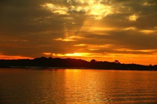 Anaconda Amazon Island: Sunset after piranha fishing