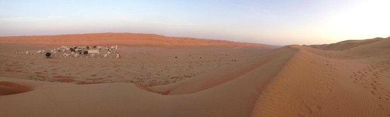 Desert Nights Camp: View of Desert Night Camp at sunrise
