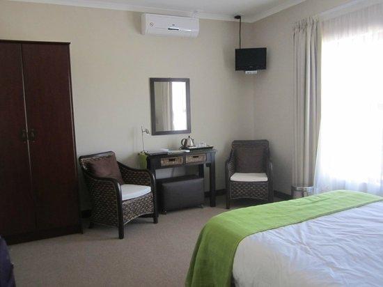 Karoo Sun Guesthouse : Well designed room