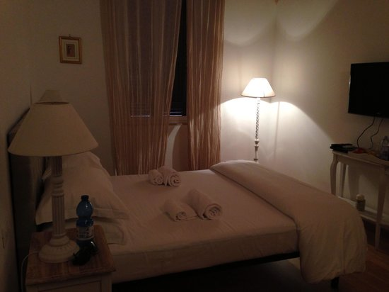 La Finestra sul Colosseo B&B: Room
