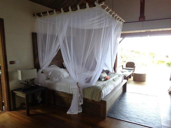 Lakaz Chamarel Exclusive Lodge : Lit à baldaquin Suite Piton de la Rivière Noire