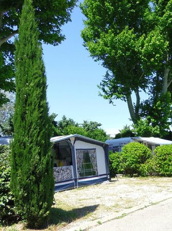 Camping Intercommunal de la Durance : emplacement caravane