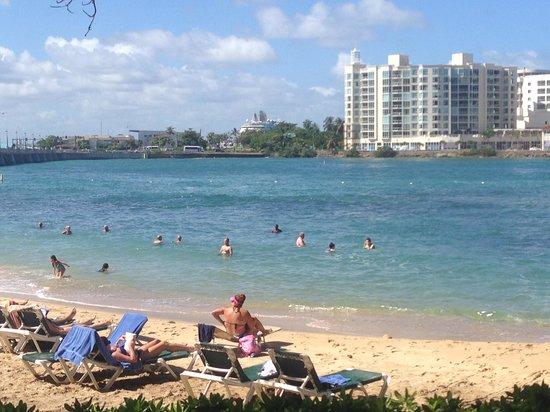 The Condado Plaza Hilton : Inlet beach
