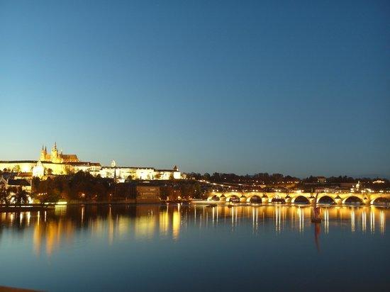 Design Metropol Hotel Prague: 5min promenad till vackraste utsikt av prag