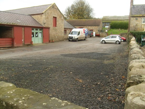 West Woods Country Store Tearoom: Parking area