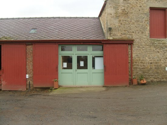 West Woods Country Store Tearoom: Entrance
