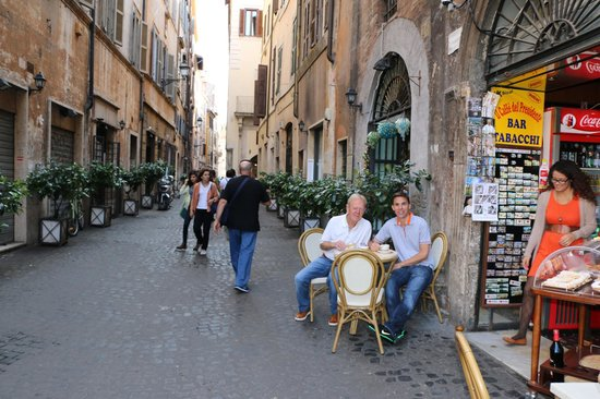 Gioia Private Tours & Trips: Out about in Rome with our Guide Roberto