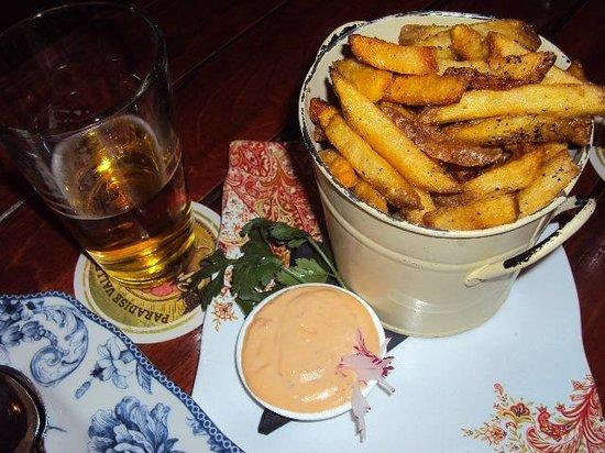 The Morrissey Pub : Batatas Rústicas saborosíssimas e com chopp ... hummm!