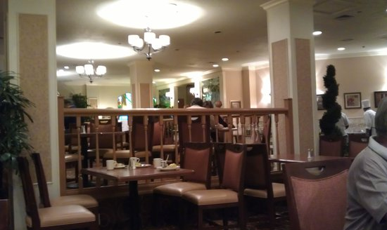 Best Western Plus Grosvenor Airport Hotel : Breakast saloon