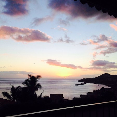 Quinta Sao Goncalo: Sunset seen from the balcony at the junior suite.