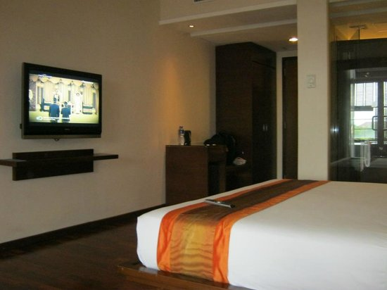 The Luxton Bandung: In-room Jacuzzi!