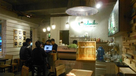 Windmills Cafe: Cafe Interior, well designed