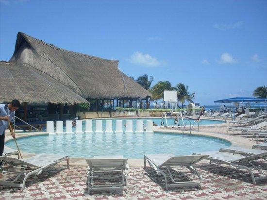 Aquamarina Beach Hotel: clima excelente y zonas comunes muy bellas