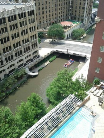 The Westin Riverwalk, San Antonio: View of the pool and river from my room