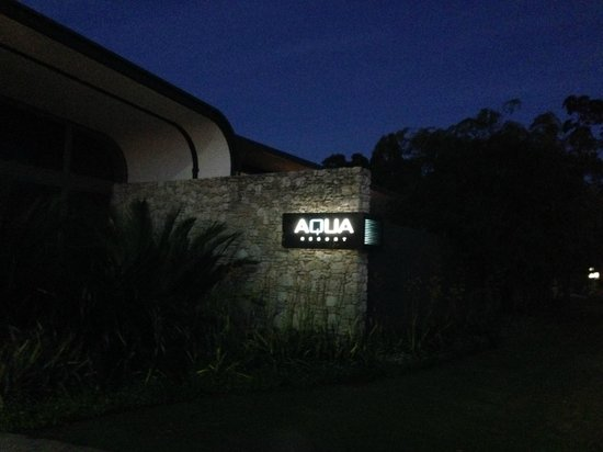 Aqua Resort Busselton: Resort Front at night