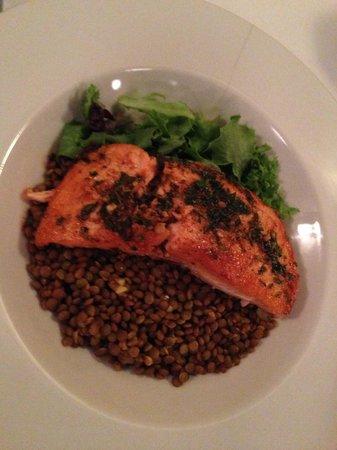 Mira Mediterranean Bistro: Salmon