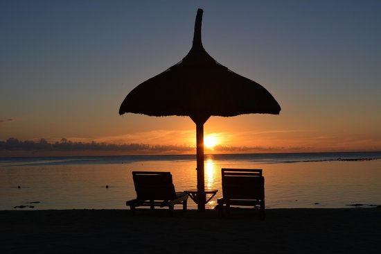 The Oberoi, Mauritius: Sunset on the beach