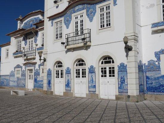 Aveiro Railway Station: La gare vue de profil