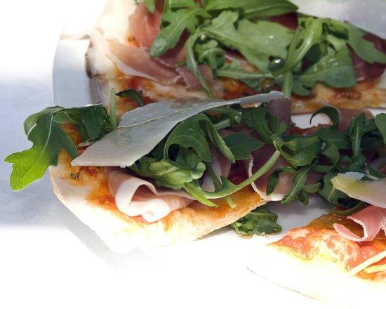 La Collina: Pizza Della Casa