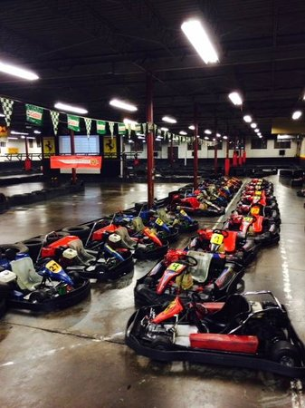Kart o mania montreal all you need to know before you for Go kart interieur montreal