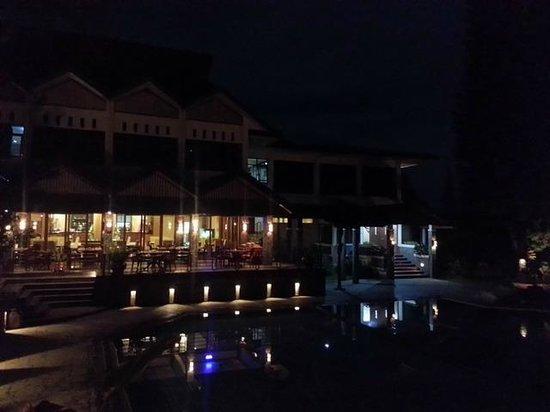 Puteri Gunung Hotel: Restaurant