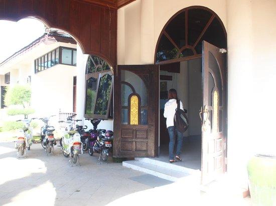 Yun Myo Thu Hotel: E-bikes