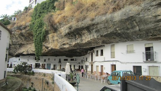 Hotel Villa de Setenil: reason to visit the town