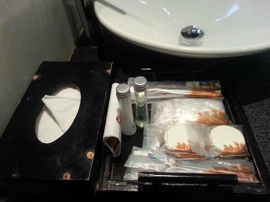 Puteri Gunung Hotel: Bath Amenities