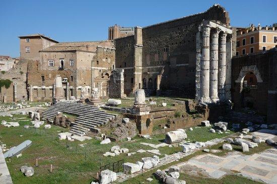 Foro di augusto picture of foro di augusto rome for Augusto roma