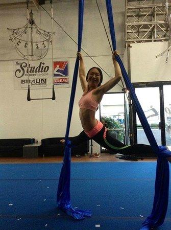 Trapeze Las Vegas: silk, Ariel 101