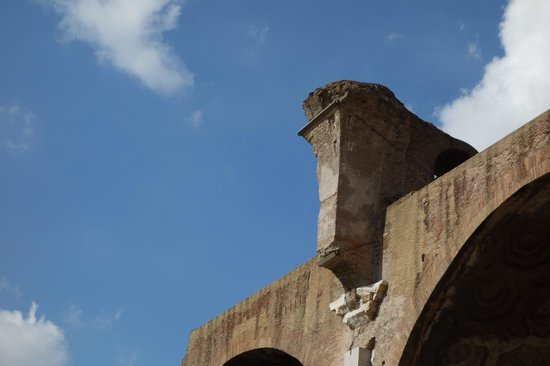 Basilica of Maxentius: roof cover started here