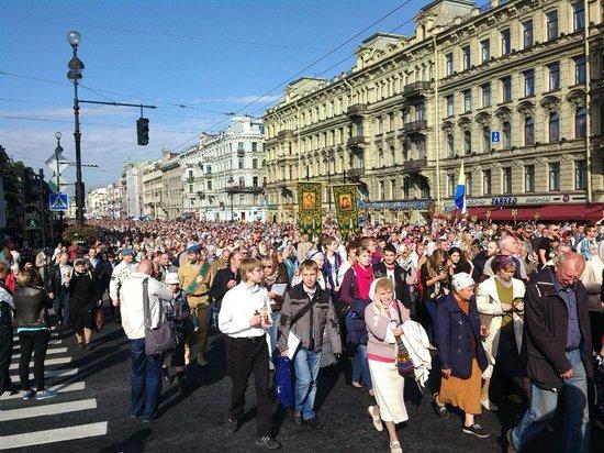 Avenida Nevski: 12 сентября 2013, Невский. Кресный ход.