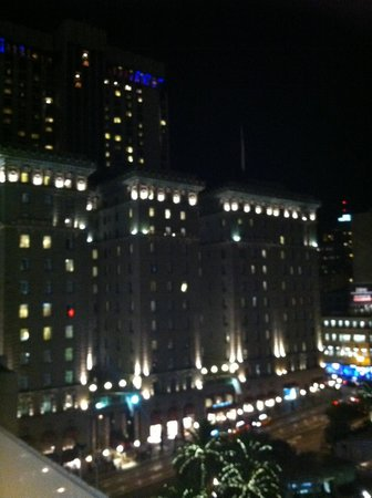 The Westin St. Francis San Francisco on Union Square : View of hotel from Cheesecake Factory