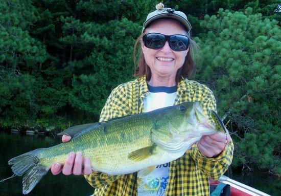 Cedar Bay Resort: Fishing can be fun!
