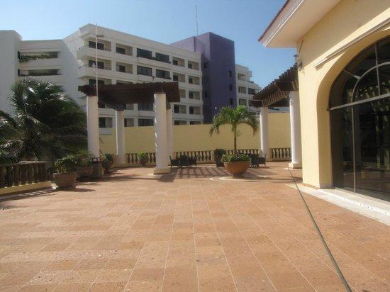 GR Solaris Cancun : seating area