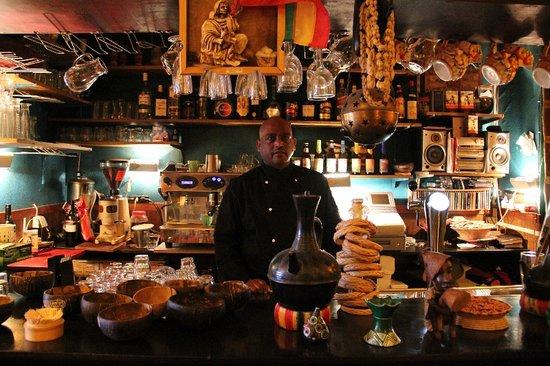 Eetcafe Ibis: Ons vriendelijke personeel staat voor u klaar.