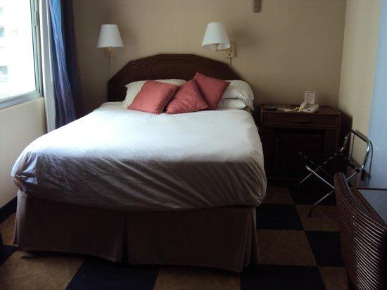 Ewa Hotel : camera da letto