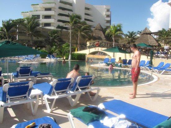 GR Solaris Cancun : second pool!